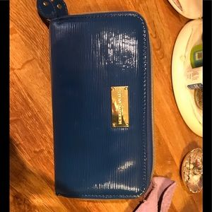 Steve Madden Blue Patent Leather DBL zip Wallet